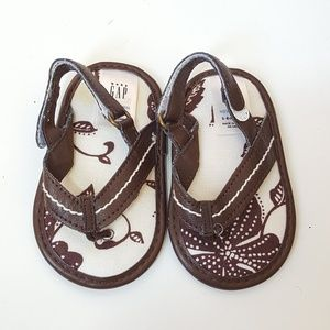 Gap baby sandals, size 3-6 months, baby shoes.